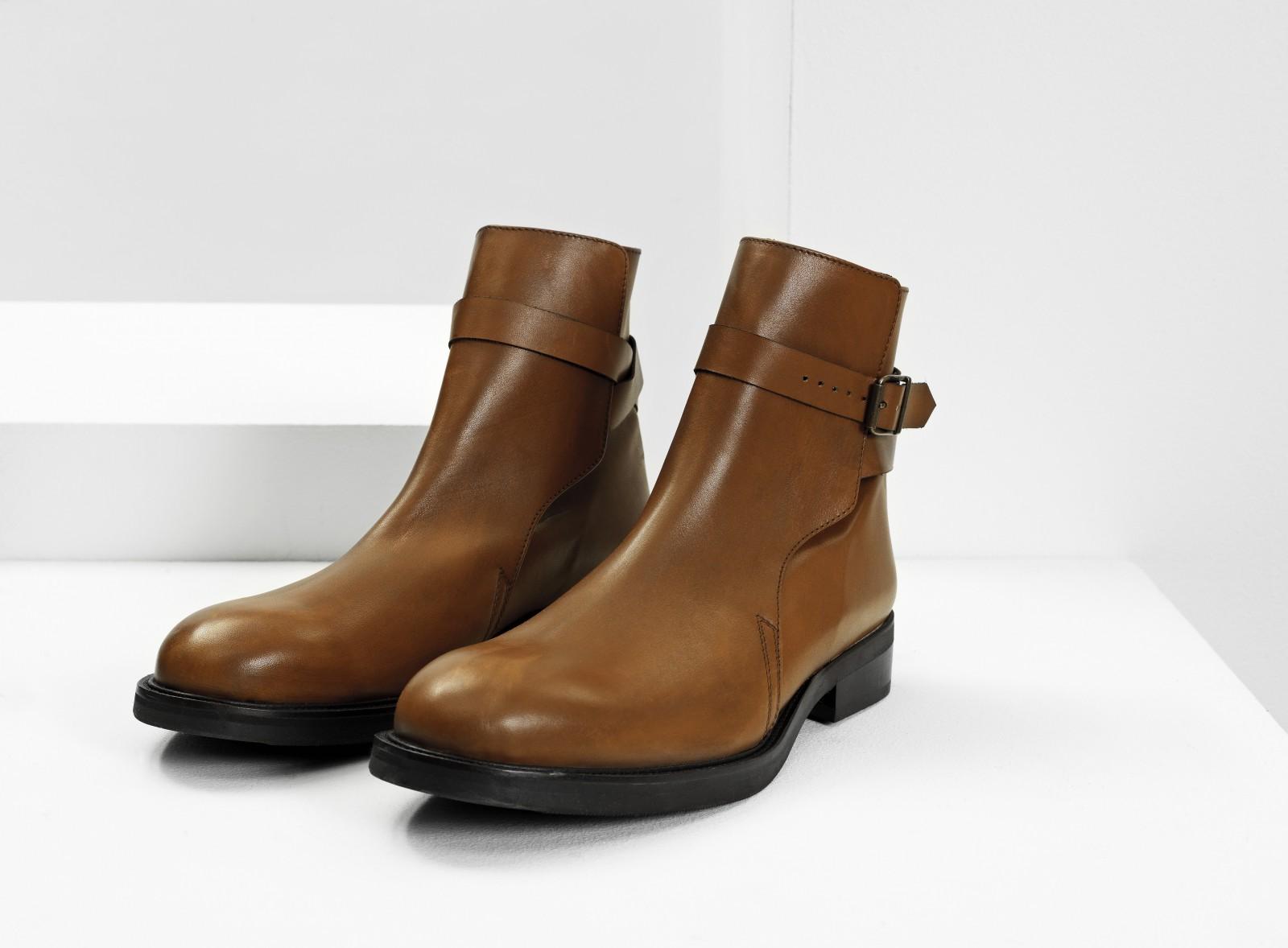 Won Hundred boot
