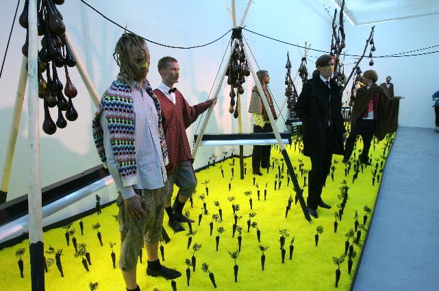 Henrik Vibskov 'The Land of Black Carrots' show Paris